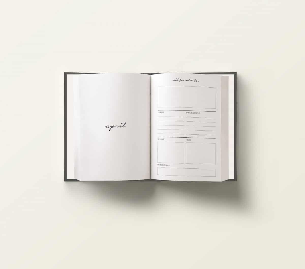 Vår planlegger for 2020er designet for å gi deg oversikt over alle gjøremål, planer og mål du har satt deg: jobb/studier | reise og livsstil| økonomi| trening og selvpleie. Perfekt størrelse slik at du enkelt kan ta den med deg i vesken!
